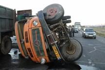 خواب آلودگی راننده کامیون را در مسیر خاش - ایرانشهر به کام مرگ کشاند