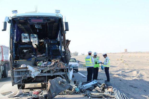 تصادف اتوبوس 2 کشته و 10 مصدوم داشت