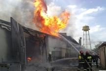 آتش سوزی در یک واحد صنعتی در همان دقایق اولیه مهار شد