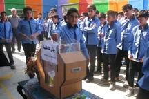 دانش آموزان گنبدی کمک به همنوع را به نمایش گذاشتند