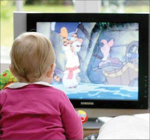 تماشای تلویزیون برای کودکان زیر 18 ماه ممنوع!