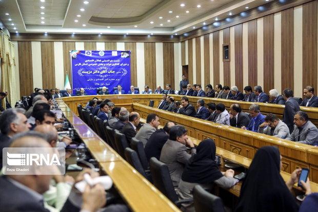 معاون وزیر اقتصاد: اختیارات سرپرستان بانکهای عامل فارس افزایش می یابد