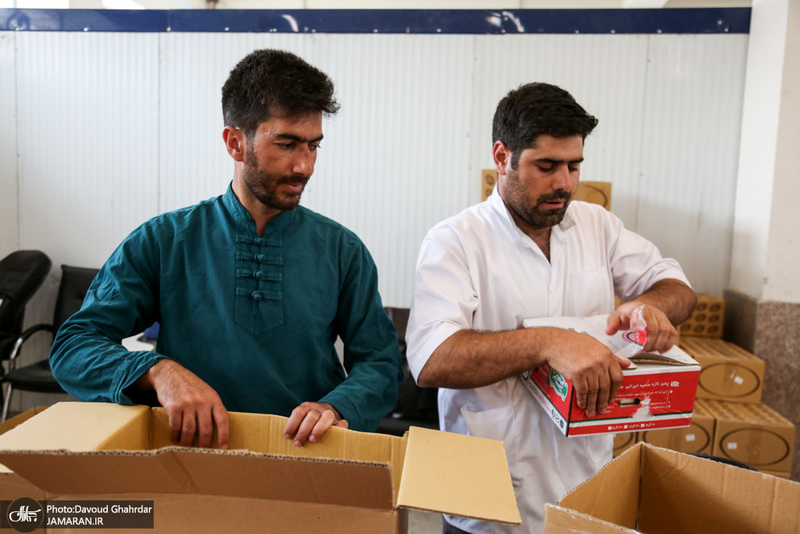 آمادهسازی افطاری زائران مراسم سالگرد بزرگداشت امام خمینی(س)