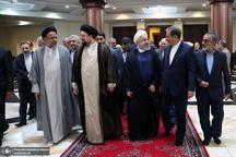 حاشیه های تجدید میثاق رییس جمهور و اعضای دولت با آرمان های امام خمینی(س)