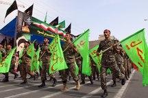 هفته دفاع مقدس با رژه نیروهای مسلح در آذربایجان غربی آغاز شد