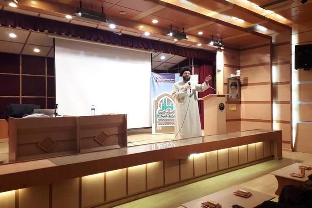 همایش بررسی تاثیر نماز بر زندگی انسانها در قزوین برگزار شد