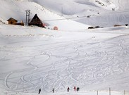 سیزدهمی و چهاردهمی بانوان اسکی باز آلپاین در مارپیچ بزرگ