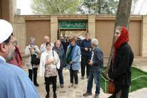 گردشگران آلمانی از بیت تاریخی امام راحل در خمین دیدن کردند