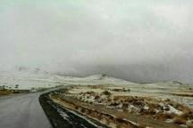 بارش نخستین برف پاییزی ارتفاعات میاندوآب را سفیدپوش کرد