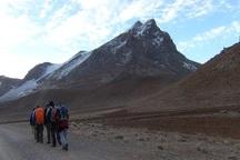 3 کوهنورد در قله زردکوه چهارمحال و بختیاری گم شدند