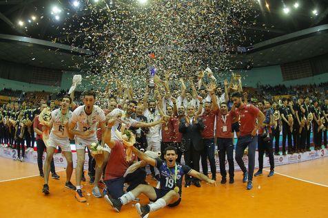 گزارش کامل جی پلاس از مراسم اهدای جام و قهرمانی تیم ملی والیبال ایران در  آسیا + عکس و فیلم