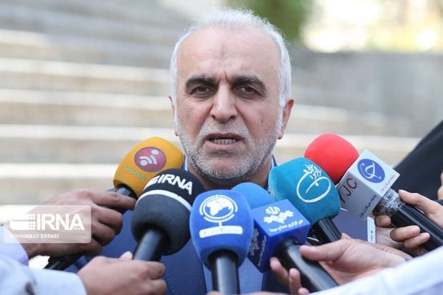 وزیر امور اقتصادی و دارایی وارد شیراز شد
