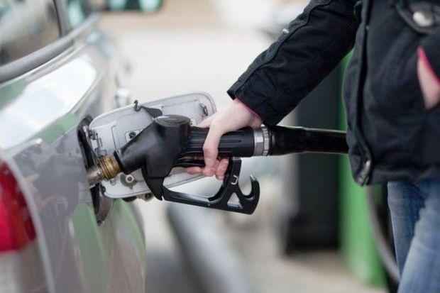 مصرف بنزین در سمنان 18 درصد افزایش یافت