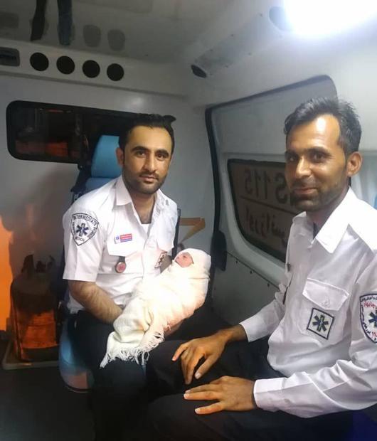 نوزادعجول در آمبولانس اورژانس 115 درگس چابهار متولد شد