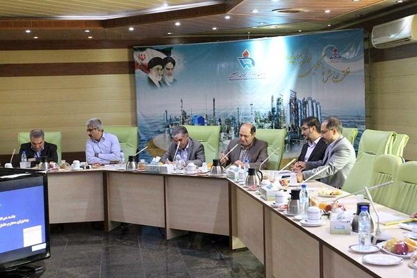 جلسه مشترک سیستم قضایی و شرکت های پتروشیمی در منطقه ویژه پتروشیمی