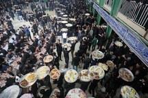 آیین پخت و توزیع عذای نذری روزهای تاسوعا و عاشورا در مهریز