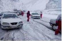 هلال احمر زنجان به 1816 نفر در برف و کولاک امداد رسانی کرد