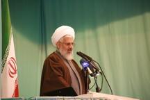 امام جمعه زنجان: دشمن در صدد جدایی حاکمیت و مردم است