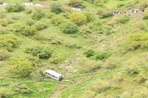 سقوط مینی بوس به دره در مریوان 2 کشته بر جا گذاشت