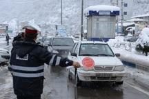 بارش برف در جاده های کوهستانی مازندران