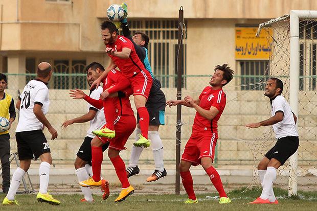 برد صدرجدولی ها در لیگ برتر فوتبال آذربایجان غربی ادامه یافت