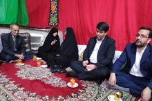 معاون رییس جمهوری با خانواده شهیدان ذاکرینژاد در یزد دیدار کرد