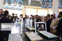 نماینده ولی فقیه در سیستان و بلوچستان به مقام شهدای گمنام چابهار ادای احترام کرد