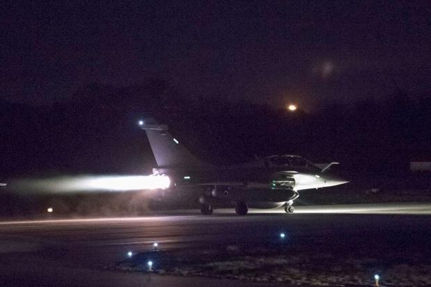هواپیماهایی که به سوریه حمله کردند + عکس