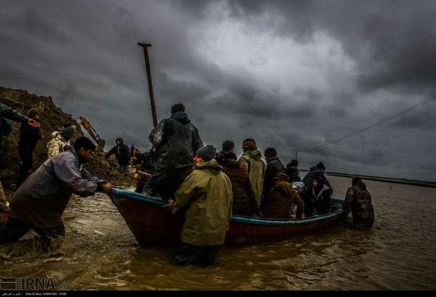رفع توقیف شناورهای غیرمجاز ماهیگیری برای امدادرسانی
