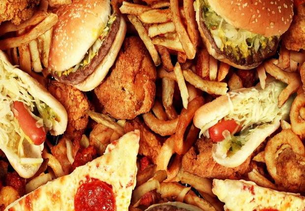 روزهای گرم غذای چرب و سنگین نخورید