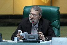 لاریجانی: برخی جریانها حق ندارند به دروغ درمورد مجلس صحبت کنند/حقوق مقامات را محدود کردیم
