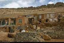 بارش های یکشنبه شب به غرب و جنوب اصفهان خسارت زد