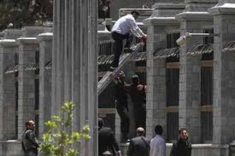 یکاتفاق، چند روایت؛ تروریستها چطور به دفتر نمایندگان رسیدند؟