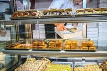رئیس اتحادیه قنادان تهران:جعبه را با نرخ شیرینی حساب می کنیم