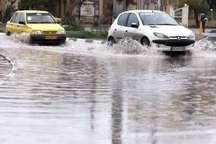 پل سرداران جیرفت در پی بارش شدید باران مسدود شد