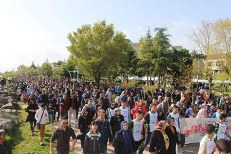 همایش بزرگ پیاده روی خانوادگی در بندرانزلی برگزار شد