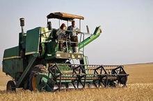 بیش از هفت میلیارد ریال برای مکانیزاسیون کشاورزی کاشمر هزینه شد