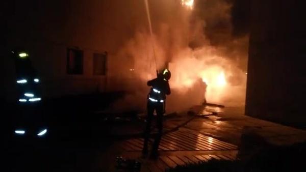 آتشسوزی در آرایشگاه مجتمعتجاری در خیابان ونک  یک مرد در میان شعلههای آتش سوخت