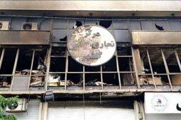 کمیته امداد تعدادی از کسبه خسارتدیده مرکز تجاری گلشهر را حمایت میکند