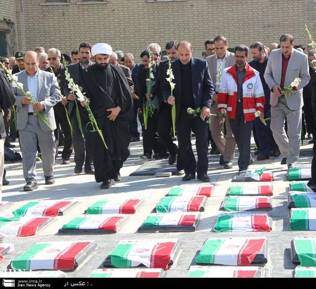 گلزار شهدا در استان تهران گلباران شد