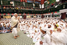 عکس/ حضور نخست وزیر هند در مراسم عزاداری امام حسین (ع)