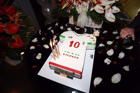 جشن تولد علی دایی با حضور اصحاب رسانه + تصاویر و فیلم