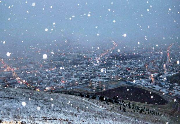 ارتفاع برف در پیرانشهر به 16 سانتیمتر رسید