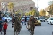نمایش خیابانی سیل انسانی گل رو در پلدختر اجرا شد