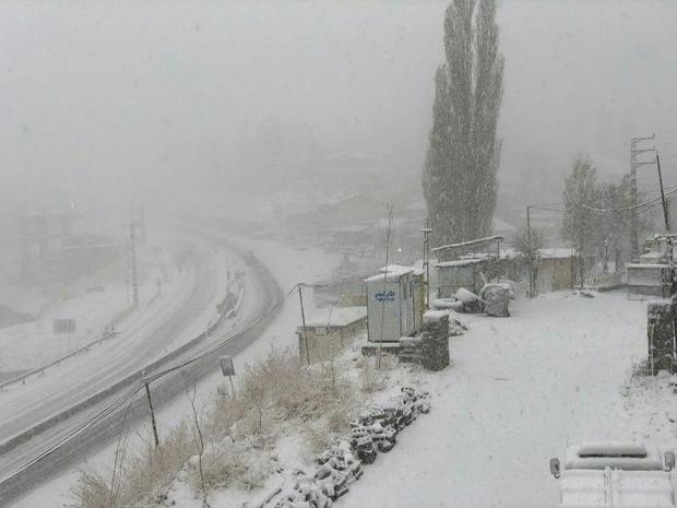ارتفاعات آمل با 30 سانتی متر برف سفید پوش شد