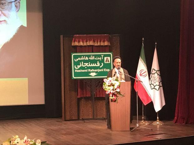 حجت الاسلام سید محمود دعایی مدیر مسئول روزنامۀ اطلاعات