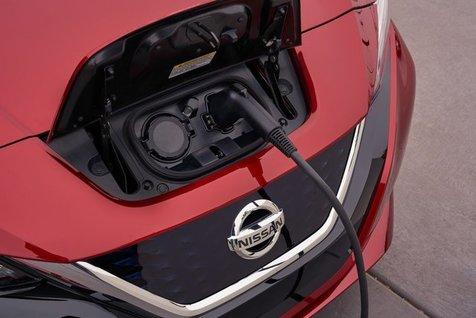 نیسان لیف؛ پر فروش ترین خودروی تمام برقی در جهان