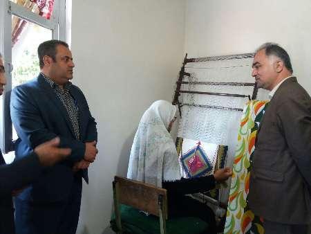 فرماندار: صنایع دستی نقش مهمی در اشتغالزایی آستارا دارد