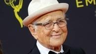 نورمن لیر در ۹۷ سالگی جایزه گرفت