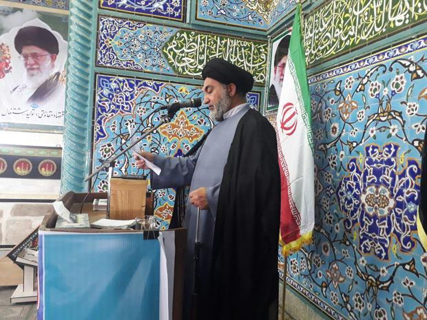 امام جمعه اسدآباد: ایران به برکت بسیج در منتهای قدرت ایستاده است
